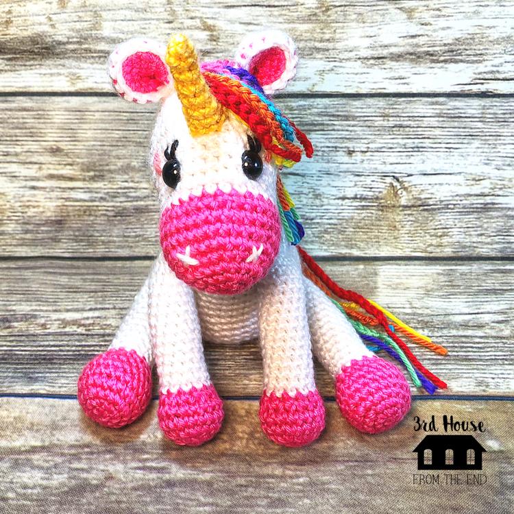 Ravelry: Tiny unicorn amigurumi pattern by Ahooka Migurumi | 750x750